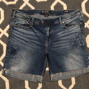 "Silver Jeans ""Tuesday Mid Bermuda"" Sz 20 Shorts"
